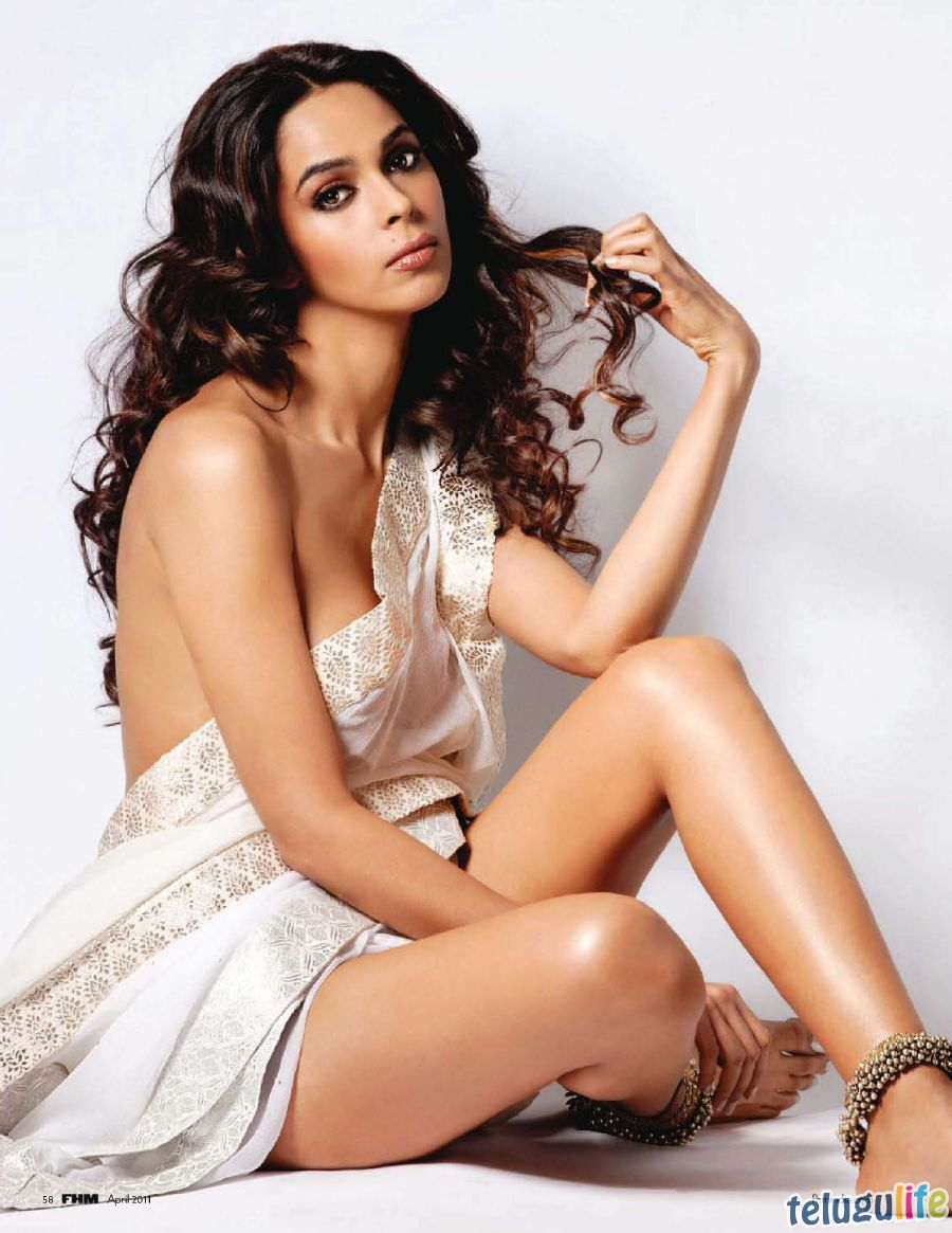 43+ extremely hot & sexy pictures of mallika sherawat you should see